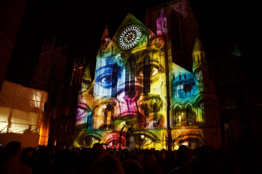 Video Mapping Projection York  - PublicDomainPictures / Pixabay